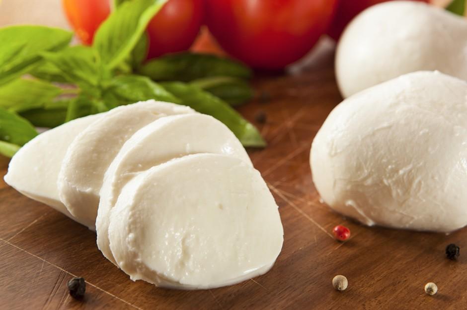 benefitis of mozzarella for health