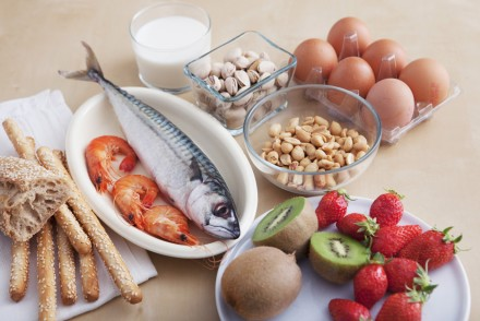 difference between food allergy and intolerance